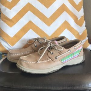 Girl sperry shoes